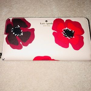 BNWT Kate Spade Hyde Lane Poppy Michelle Wallet